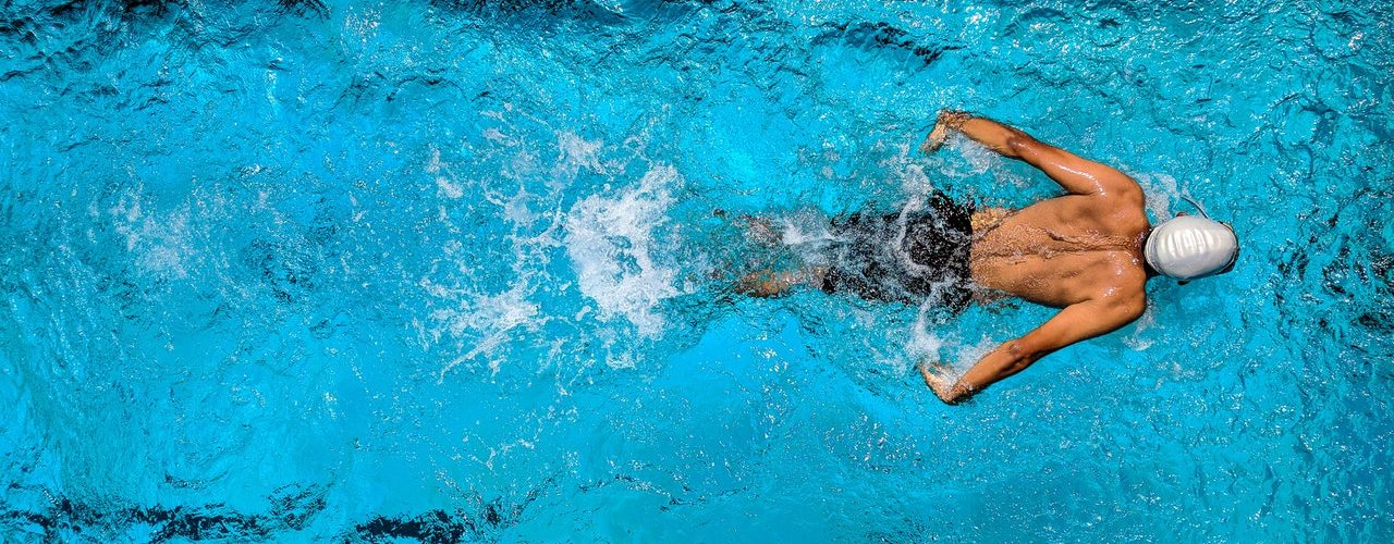 Zwembad laten aanleggen in de tuin tuinblog de for Ondergrond zwembad tuin